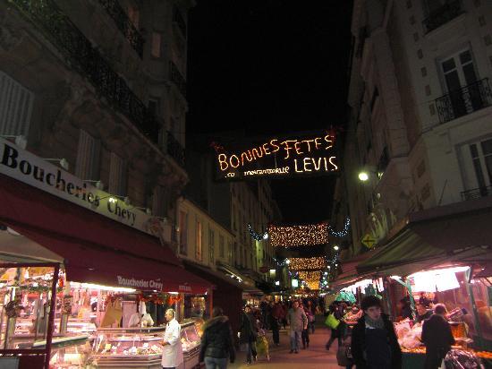 Logis Jardin De Villiers: il mercato di sera