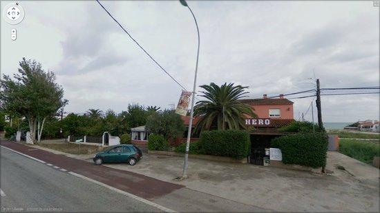 Els Poblets, Испания: Fachada exterior (desde la carretera)
