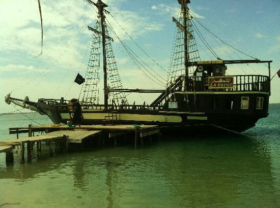 TUI MAGIC LIFE Penelope Beach: pirate ship