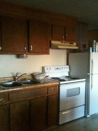 Ocean Crest Resort: clean kitchen