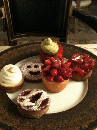 Le Meurice: The delicious desserts.