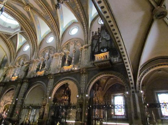 Barcelona Guide Bureau - Day Tours: Inside cathedral at Montserrat Monastery