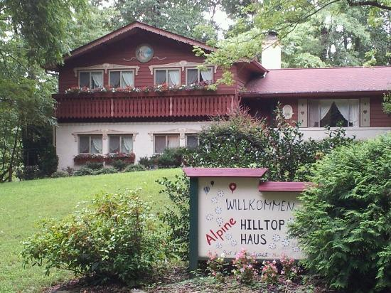 Alpine Hilltop Haus Bed and Breakfast : Just Like Home