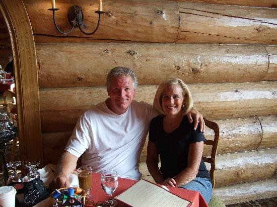 Garland Lodge & Resort: Two happy guests
