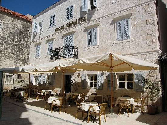 Hotel Croatia: Фасад