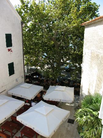 Hotel Croatia: Вид из окна