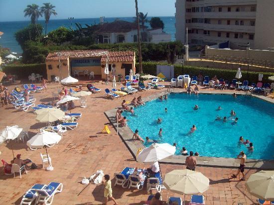 Hi! Gardenia Park Hotel: Pool view.