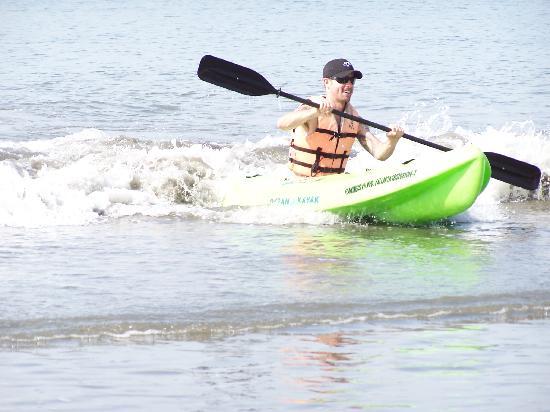 Nuevo Vallarta Beach : Kayaking the surf