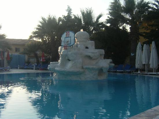 Tropicana Garden Hotel: the pool