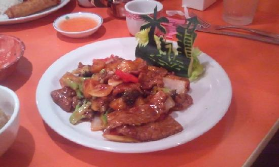 Wong's Eighth Wonder Kitchen: Sha Cha Beef, with a fishing scene