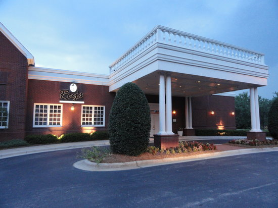 Rey 39 s restaurant raleigh menu prices restaurant for Rooms to go kids raleigh