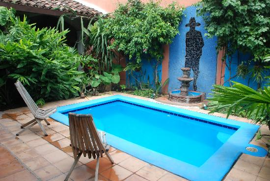 Casa Silas B & B: Little pool in the courtyard