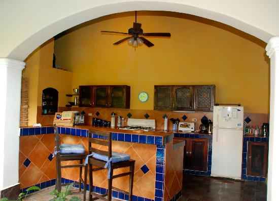 Casa Silas B & B: Where they make the awesome breakfast and have free cold filtered water