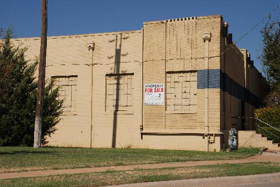 Frontier Texas!: Vacant building across the street from Frontier Texas