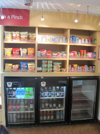 TownePlace Suites Columbus Airport Gahanna: Concession stand