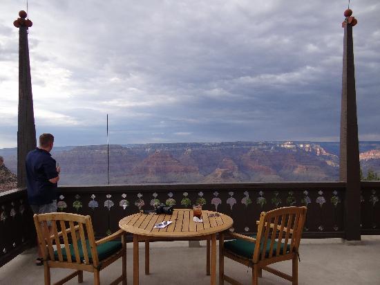 El Tovar Hotel: Room w/a view