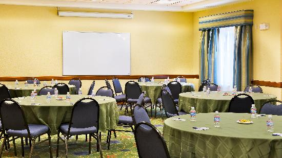 Holiday Inn Express Surprise: Meeting room, capacity 109
