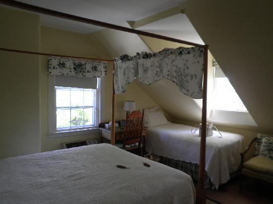 The Roberts House: View of beds