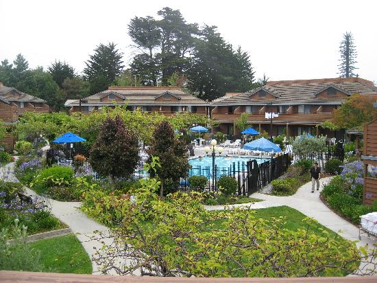 Best Western Seacliff Inn: view from our balcony