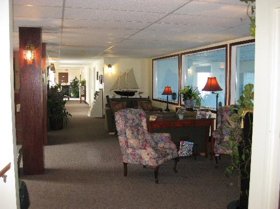 St. Andrews Motor Inn: part of the lobby