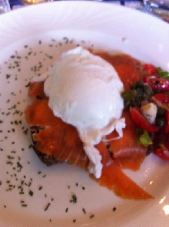 Auberge Ancrage : breakfast 9
