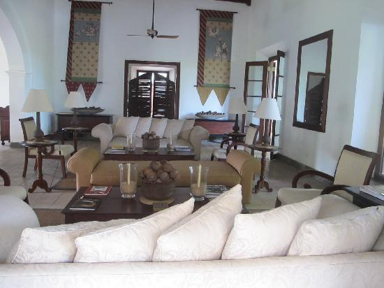 Tamarind Hill by Asia Leisure : Front room