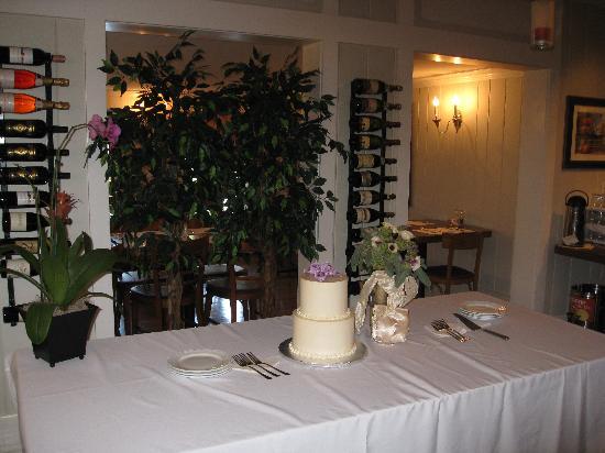 Main Street Inn Highlands : DINNING