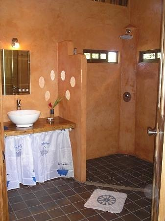 B&B Hotel Sueno Celeste: Bathroom Bungalow Danta