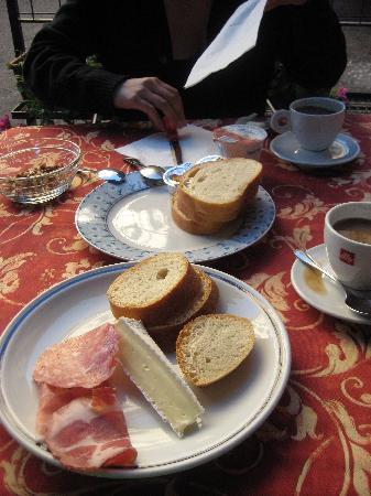 In Riva al Lago Bed & Breakfast : breakfast