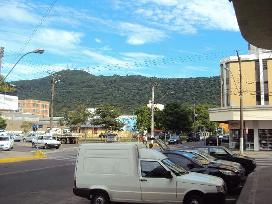 Big Hotel Osorio : 2.-Osorio- Big Hotel: estacionamiento en el frente y en predio en diagonal al edificio