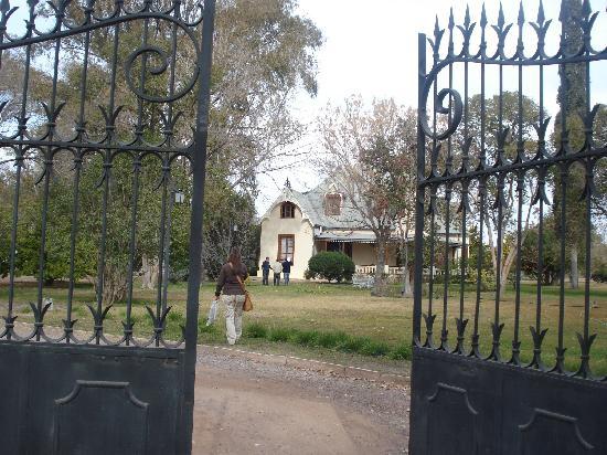 Villa Victoria Lodge: el jadín y la casa, un belleza!