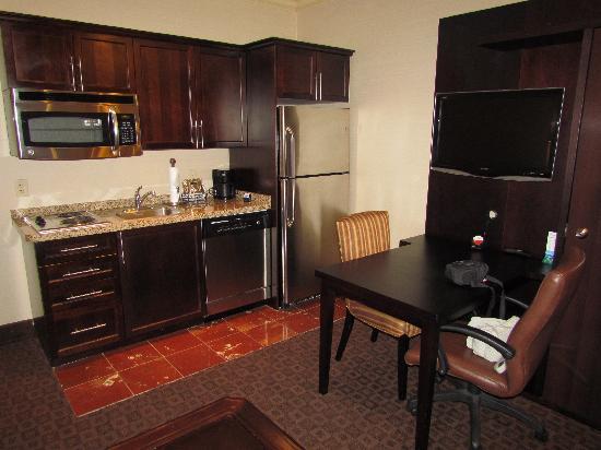Hawthorn Suites By Wyndham West Palm Beach Full Kitchen