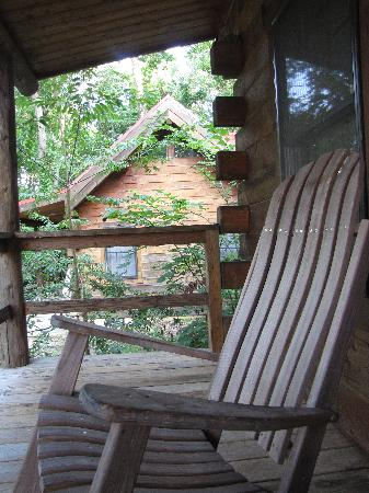 Murphin Ridge Inn: The rocking chair on our front porch.
