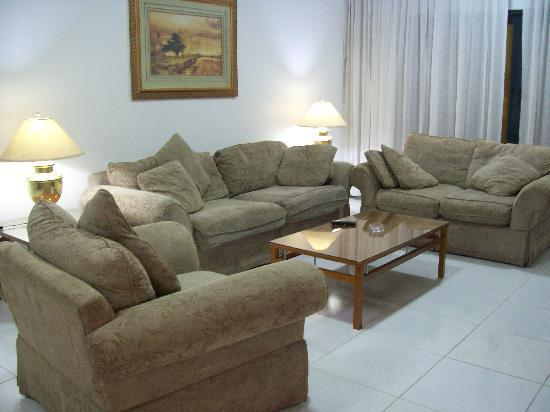 Golden Sands Hotel Apartments: the loungeroom