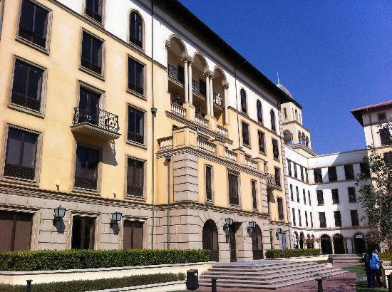 Southern Sun Montecasino: The Hotel
