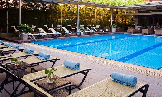 Domotel Les Lazaristes: The Pool