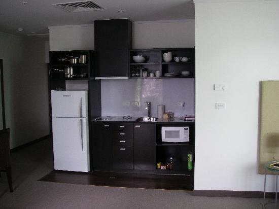 Quest Apartments-Suva: Kitchen