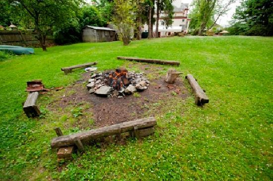 Ardenbeg Bunkhouse: Bonfire pit