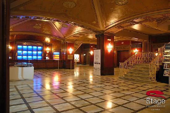 Lope de Vega Theater : Hall del Teatro Lope de Vega
