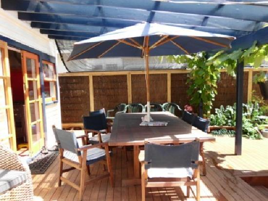 Ronans Rest : Covered deck gets all day sun