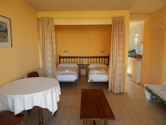 Apartahotel Bermudas: room