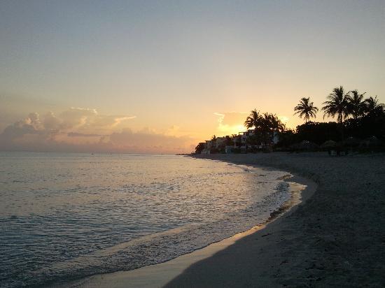 la spiaggia di Varadero all'alba