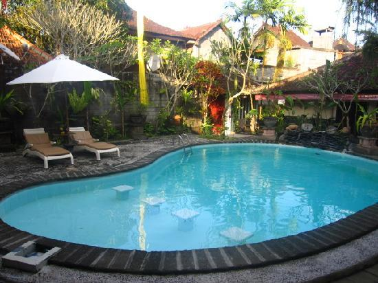 Graha Resort: Swimming pool