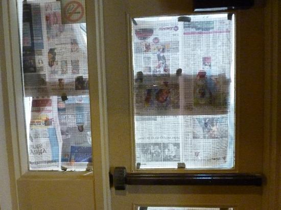 Comfort Inn East: detalle ventana