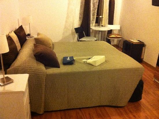 Condotti Inn: Notre chambre pour une occupation de 3 personnes