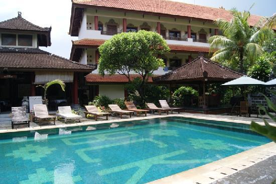 Bakung Sari Resort and Spa : Pool