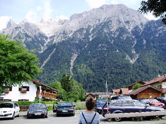 Backeralm: Karwendel, vom Ortskern gesehen