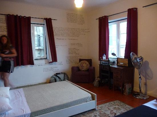 Lisbon Story Guesthouse: Escritor room