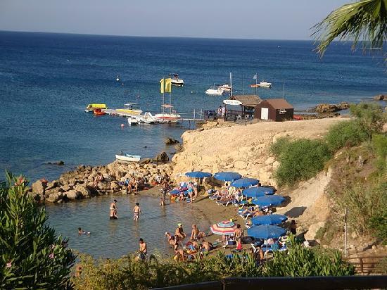 Malama Beach Holiday Village : Un bout de la plage de l'hôtel