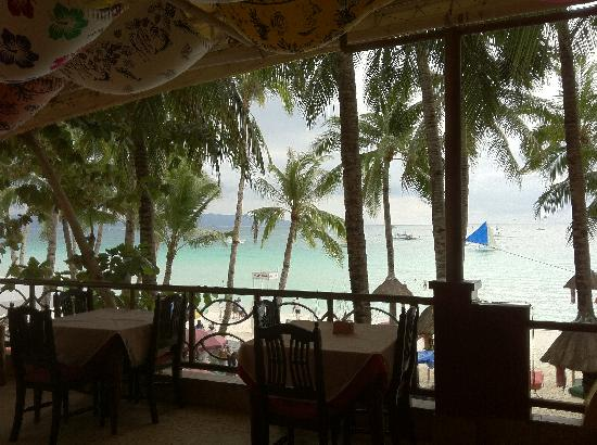 Boracay Royal Park Hotel: from 2nd floor dining area view